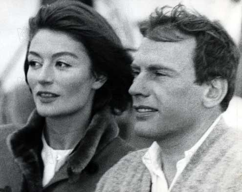 Un hombre y una mujer un homme et une femme observando cine cr ticas de pel culas - Une femme et un homme dans un lit ...